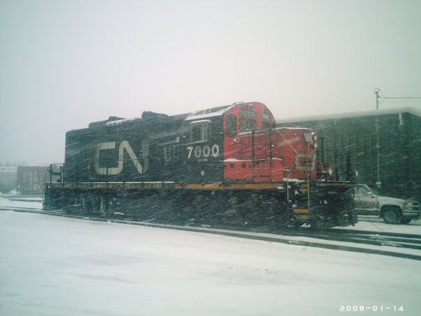 CN 7000 in McAdam. Photo by Gary Lee