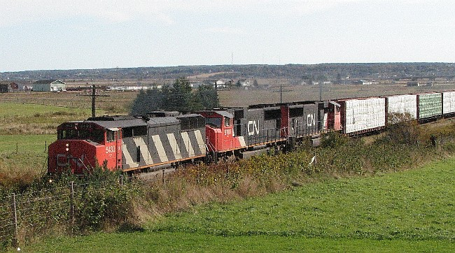 CN 5433 on train 307