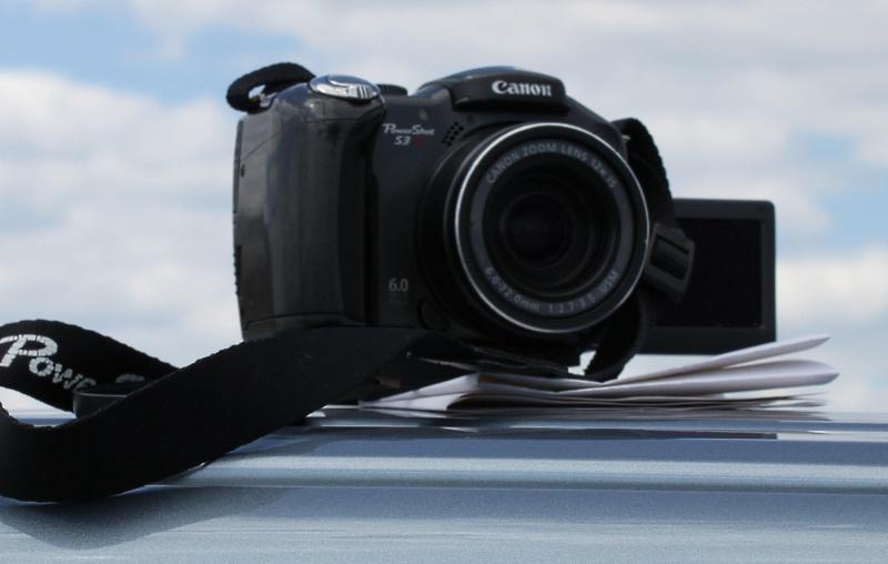 Canon S3 on a van
