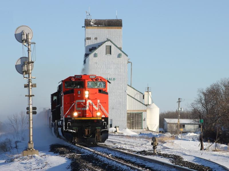 CN 8927 at Dugald Manitoba