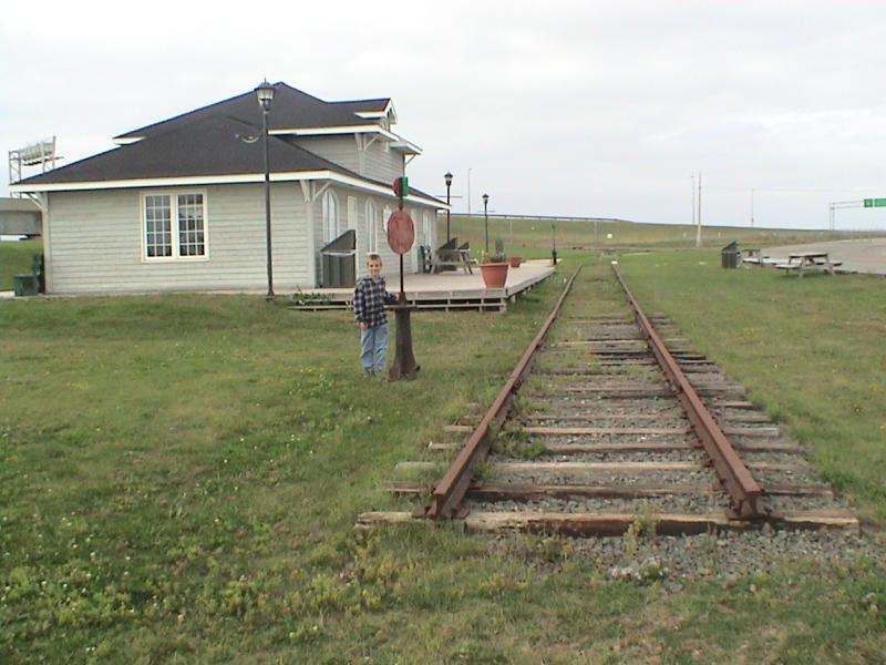 CN Border station and switch