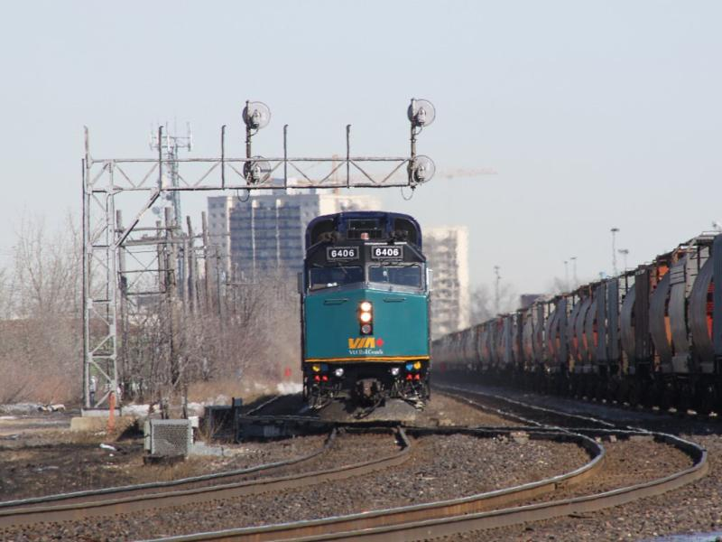 VIA 6406 in Winnipeg, MB 2011/03/24