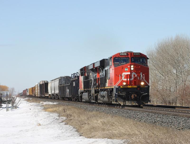 CN 2329 on train 404 in Winnipeg