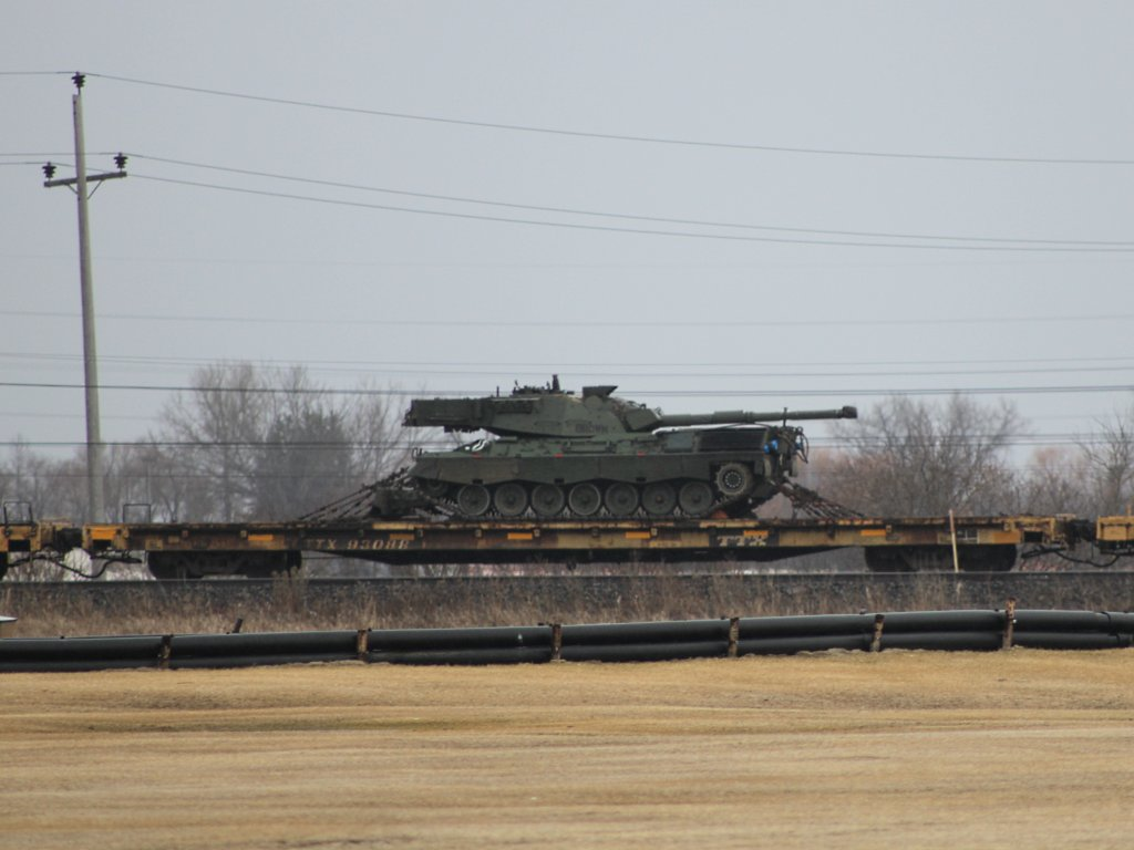 A Leopard tank on a train in Winnipeg, MB 2011/04/08