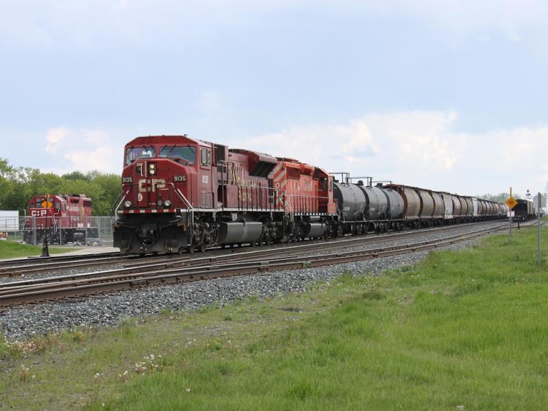 CP 9135 in Portage la Prairie