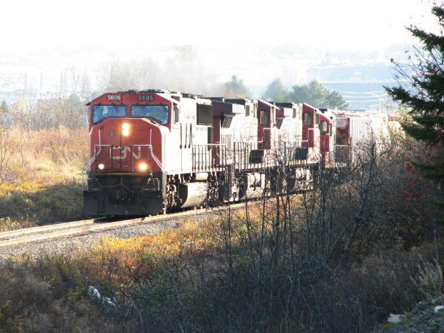 CN 5606 in Saint John, NB 2006/11/01