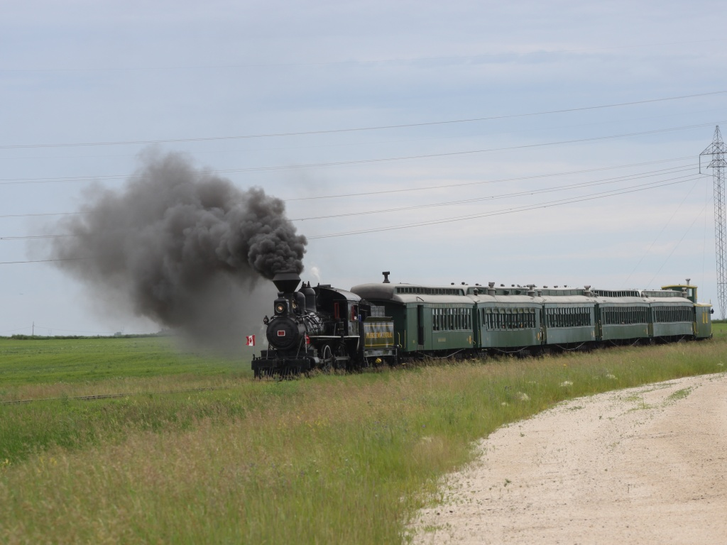 The Prairie Dog steam engine approaches Grosse Isle, MB 2011/07/01