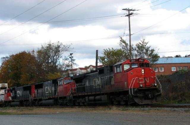 CN 2517 in Halifax, Nova Scotia 2006/11/04