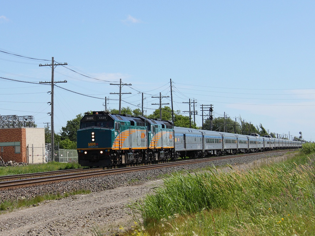 VIA 6429 in Winnipeg, MB 2011/07/14