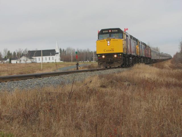 VIA 6406 at Beaver Brook, New Brunswick 2006/11/07
