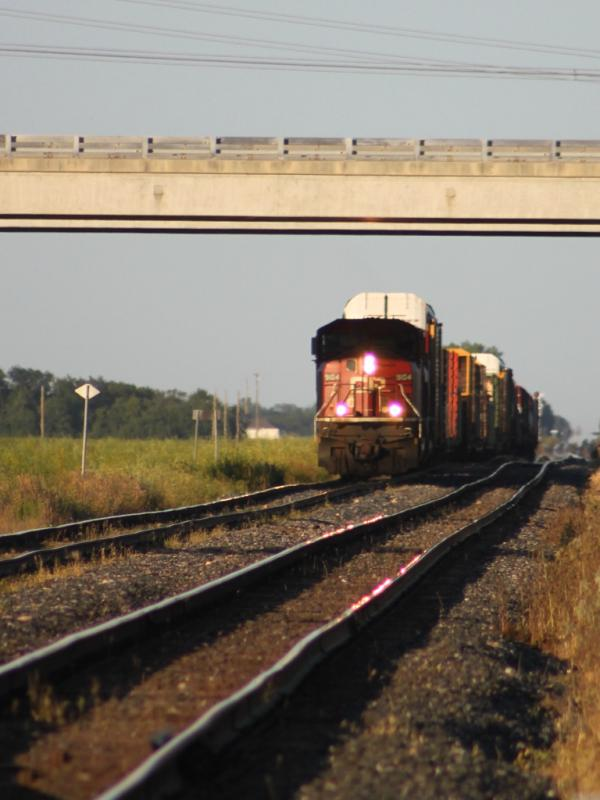 CP 9104 in Winnipeg in the shade
