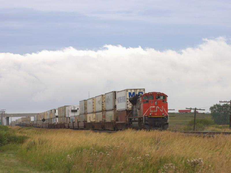CN 8910 in Winnipeg