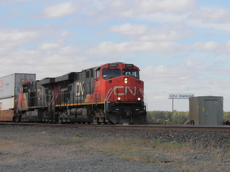 CN 2241 at Diamond