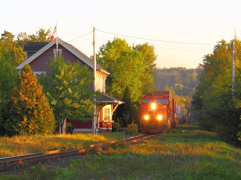 CN 5743 by the old Rothesay station