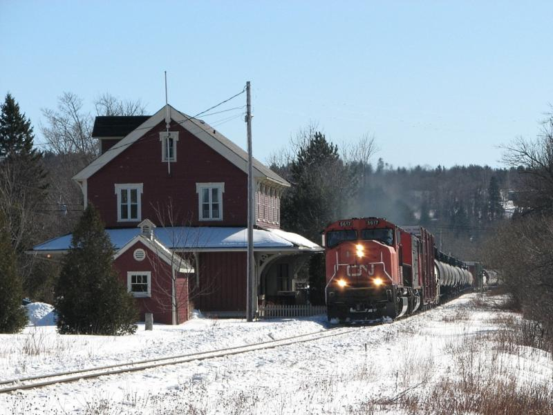 CN 5617 at Rothesay station
