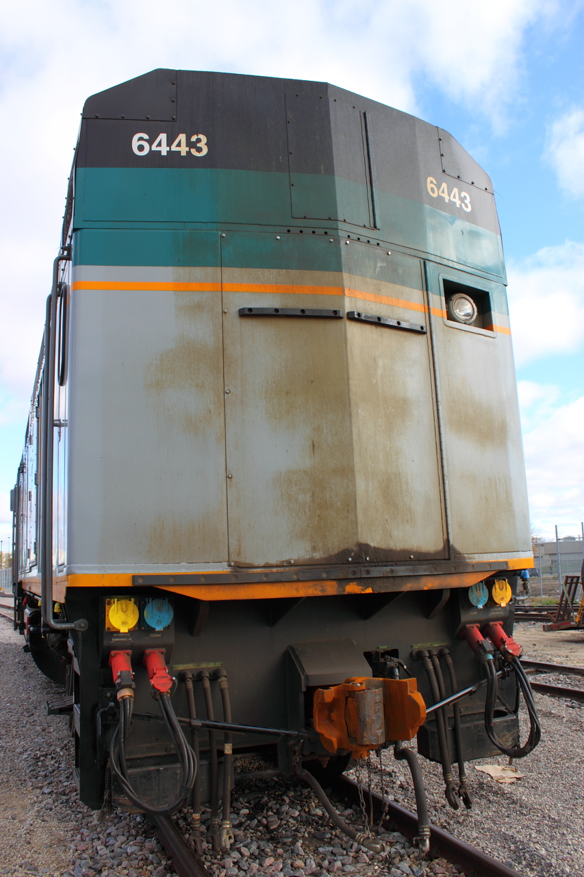 The rear of VIA 6443 in Winnipeg, MB 2011/10/14