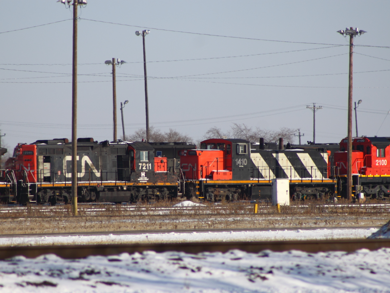 CN 7211, 1410 and 2100 in Winnipeg, MB 2011/11/21