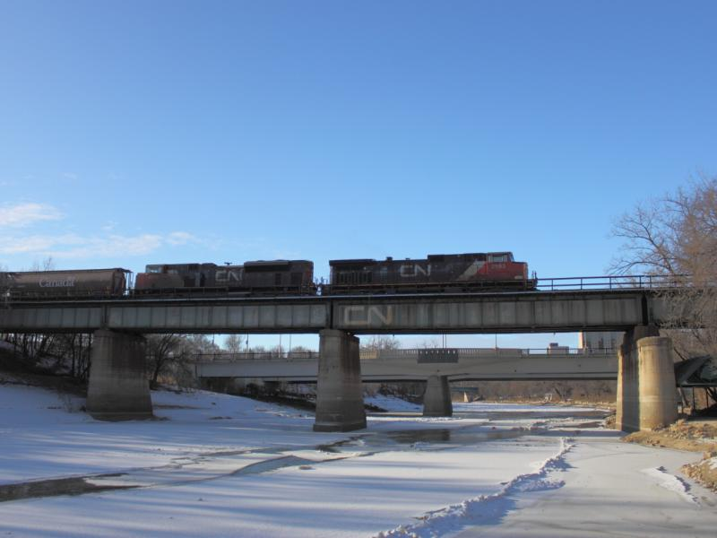 CN 2583 and CN 8800 in Winnipeg, MB 2011/12/07
