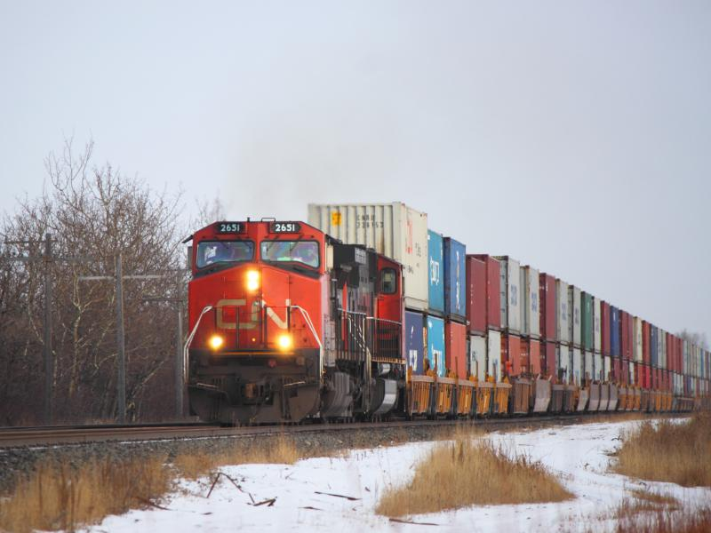CN 2651 in Winnipeg, MB 2011/12/31