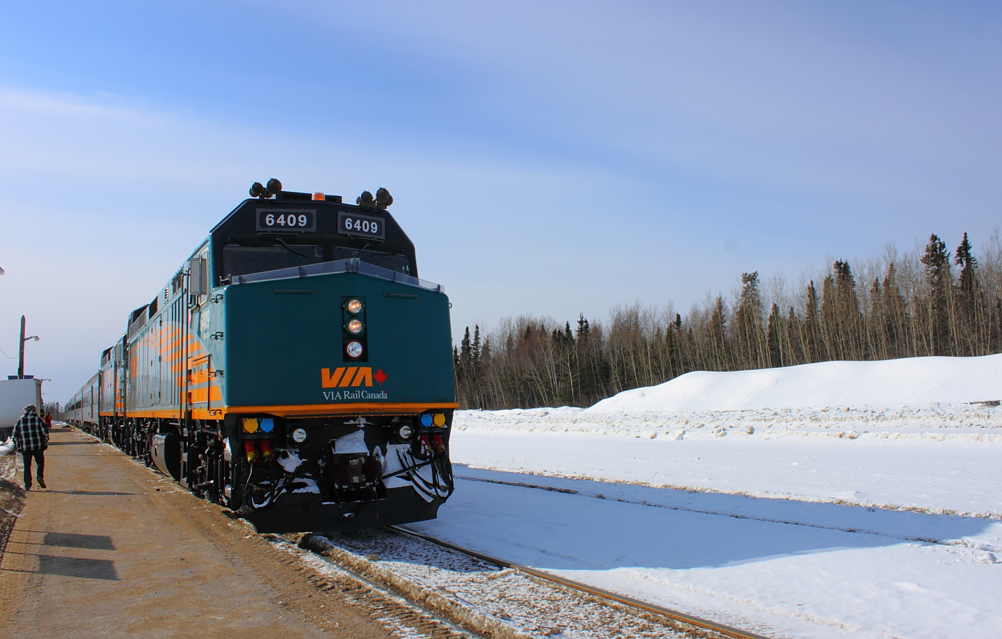 VIA 6409 in Thompson, MB 2012/03/07