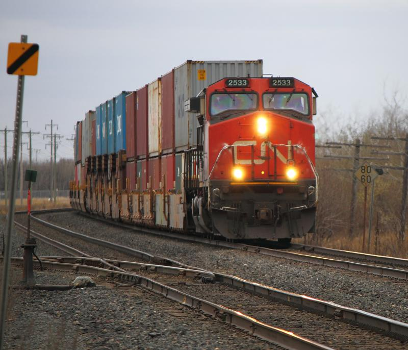 CN 2533 at Carman Junction in Winnipeg
