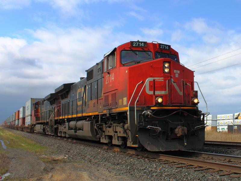IC 2714 in Winnipeg, MB 2012/04/18