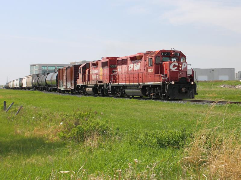 CP 1128 in Winnipeg, MB 2012/05/17
