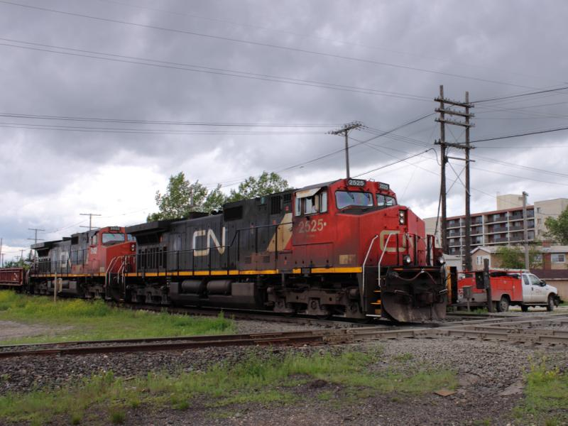 CN 2525 in Winnipeg