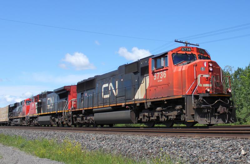 CN 5736 in Winnipeg