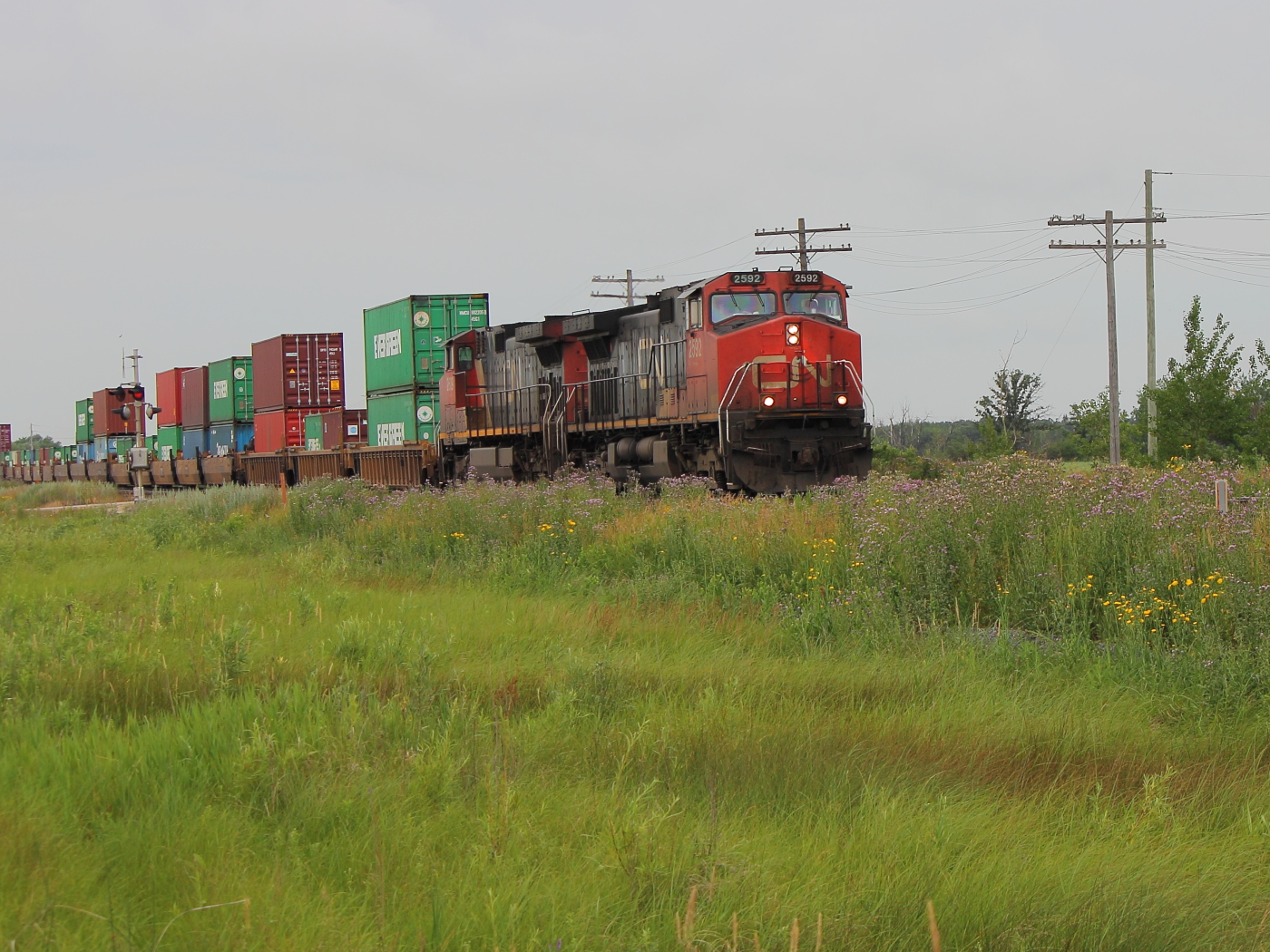 CN 2592 in Winnipeg, MB 2012/07/12