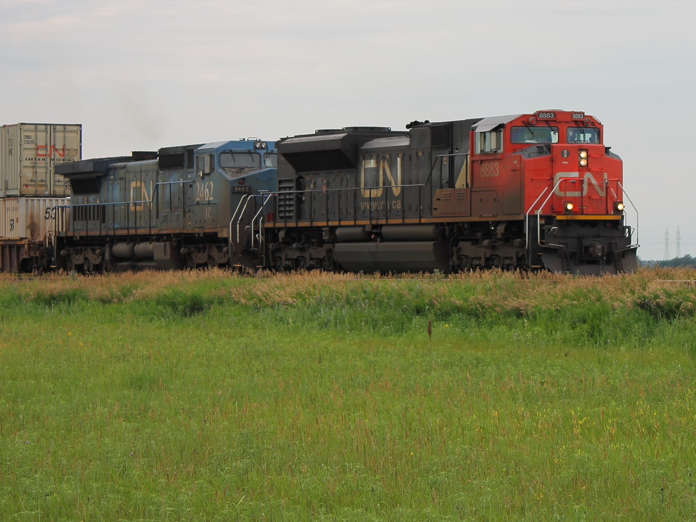 CN 8883 in Winnipeg, MB 2012/07/12