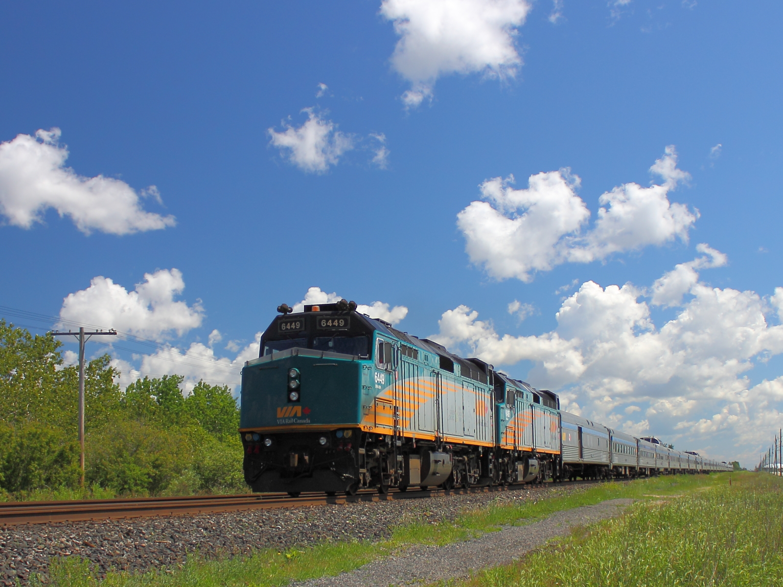 VIA 6449 in Winnipeg, MB 2012/06/21