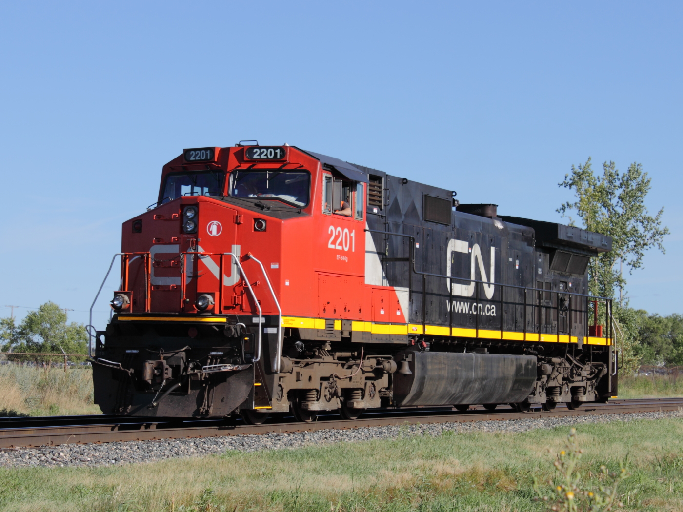 CN 2201 in Winnipeg, MB 2012/08/16