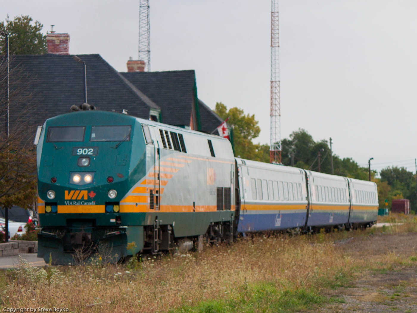 VIA 902 at the station in Chatham, ON 2012/09/26