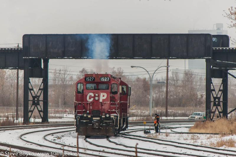 CP 1527 in Calgary, AB 2012/10/28