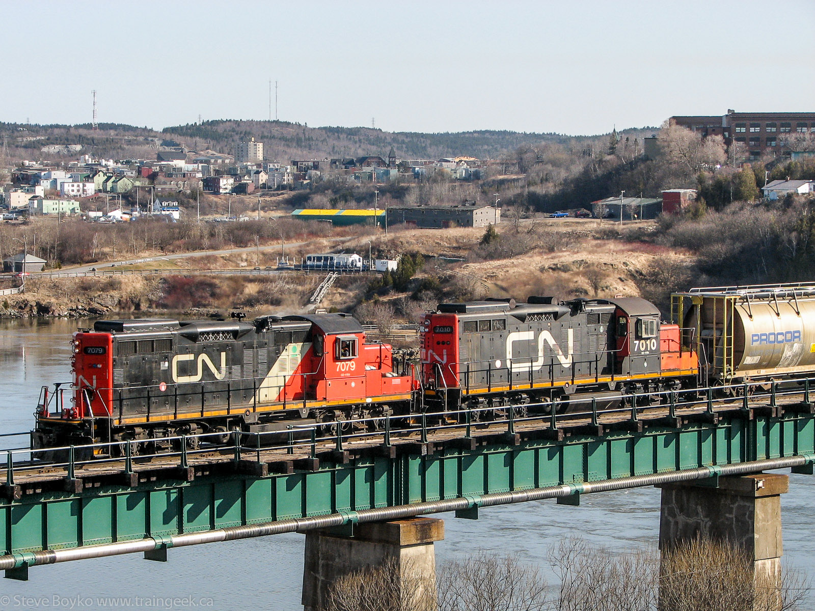 CN 7079 and 7010 at Reversing Falls in Saint John, NB 2007/04/12