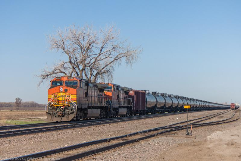BNSF 4852 in Dilworth, MN 2013/05/12