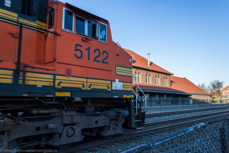 BNSF 5122 in Fargo