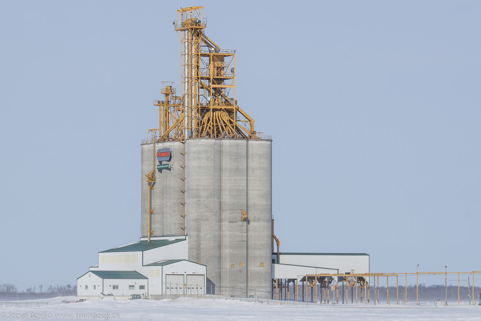 The Pioneer Red River South grain elevator in Letellier, MB 2014/02/23