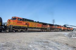 BNSF 4856 and 1007 in Winnipeg 2014/03/15