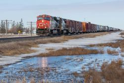 CN 2260 outside Winnipeg on the Sprague Sub 2014/04/11