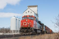 CN 2260 at Dufresne, MB 2014/04/11