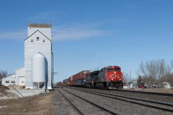 IC 2712 at Dufresne, MB 2014/04/11