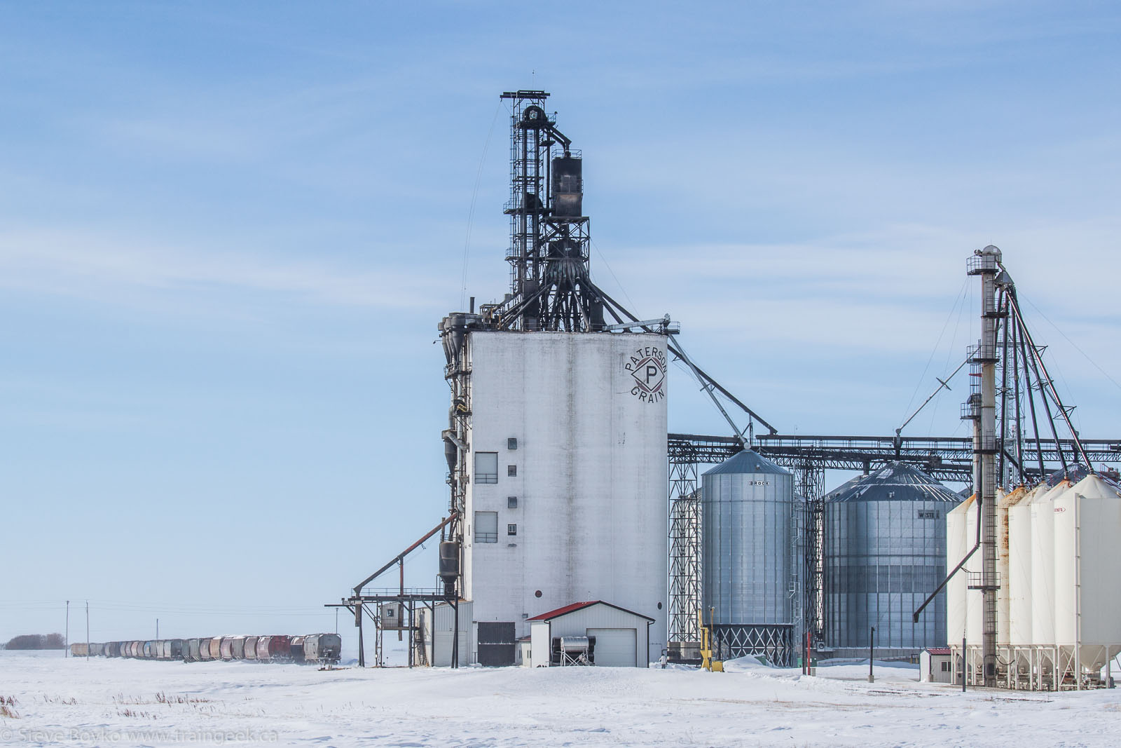 The new Paterson elevator in Morris, Manitoba 2014/02/23