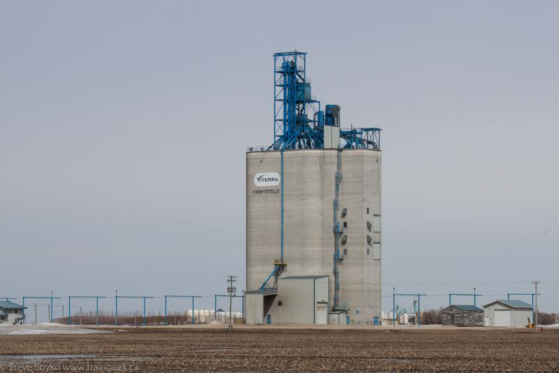 Viterra grain elevator in Fannystelle, MB 2014/04/18