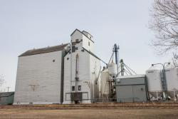 Pool grain elevator in Elm Creek, Manitoba 2014/04/18