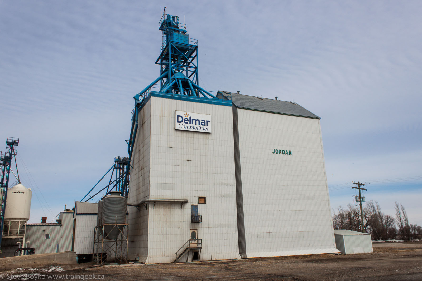 The Delmar Commodities grain elevator near Jordan, Manitoba 2014/04/18