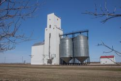 The Paterson grain elevator in Holland, MB 2014/05/10