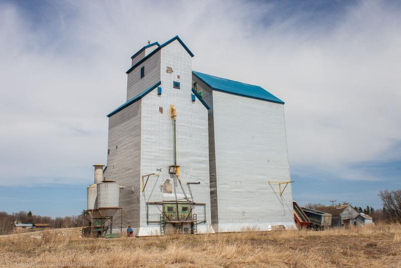 The Clearwater, MB grain elevator 2014/05/10