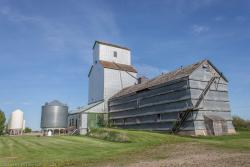 The Brookdale grain elevator 2014/05/31
